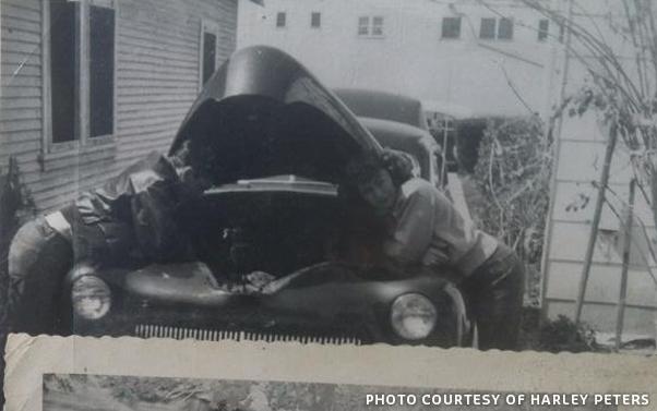 CCC-gil-ayala-1942-ford-album-02