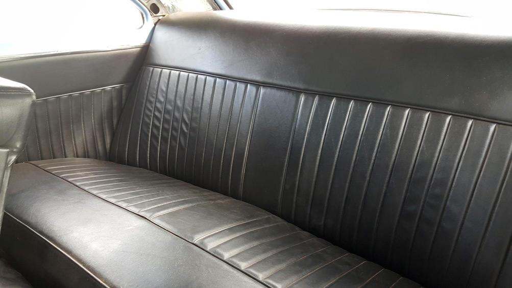CCC-sam-navarro-52-chevy-interior-02