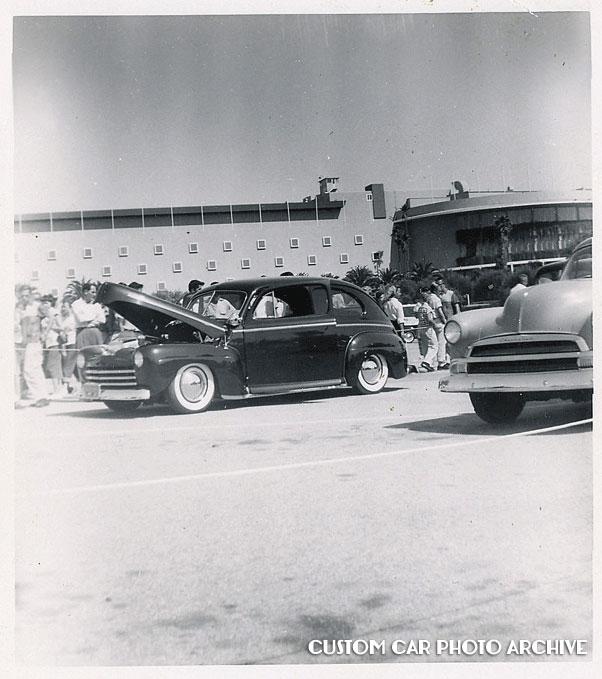 CCC-Tom-Love-1947-Ford-01-W