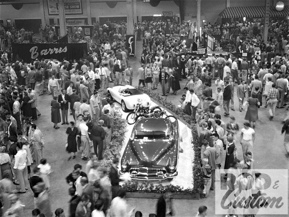 1953-Motorama-01-W