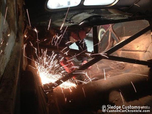 CCC_sledge-40merc-sedan03-W