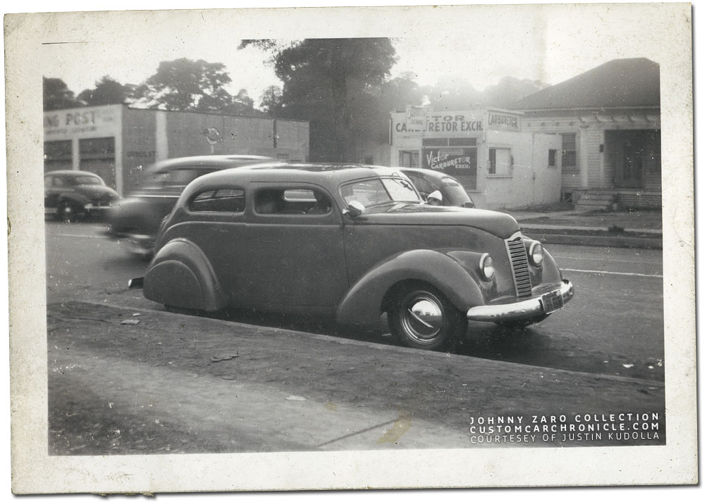CCC-barris-38-ford-sedan-zaro-01