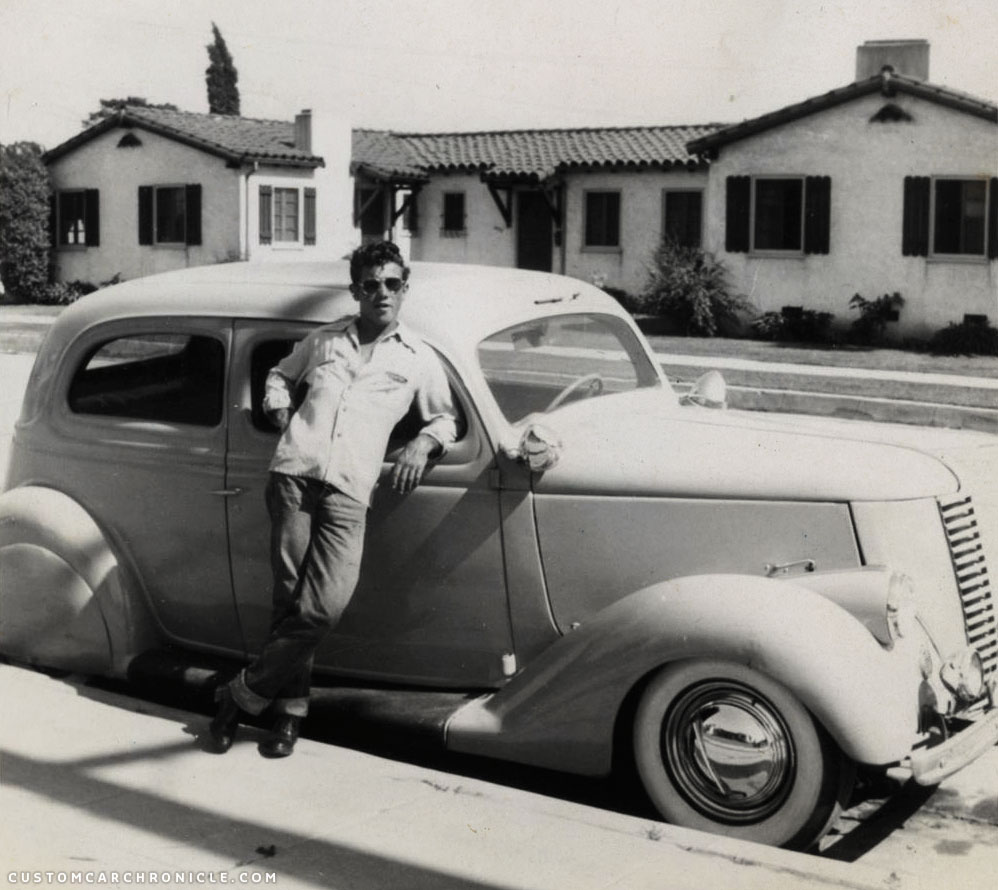 CCC-36-ford-sedan-with-guy