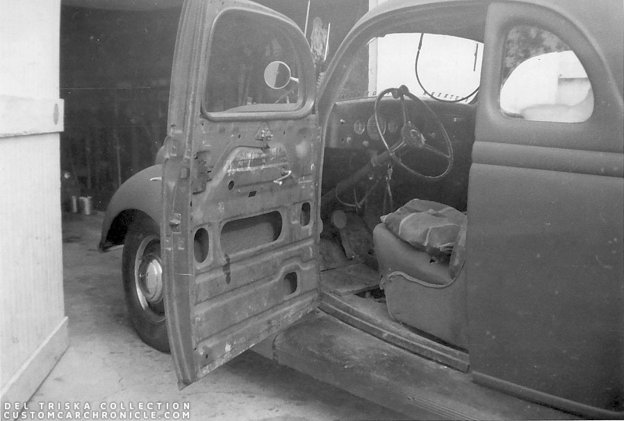 CCC-del-triska-36-ford-coupe-interior-early-00