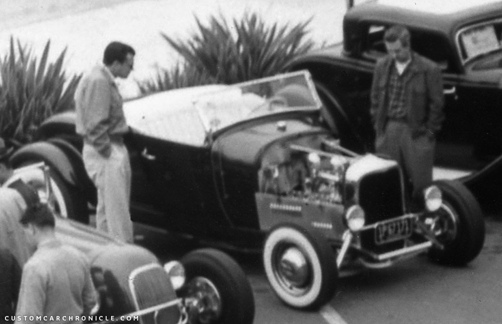 CCC-54-thrifty-parking-lot-show-29-roadster