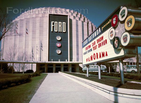 CCC-ford-rotunda-customs-55-sign-building
