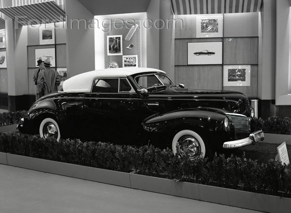CCC-ford-rotunda-customs-56-show-05
