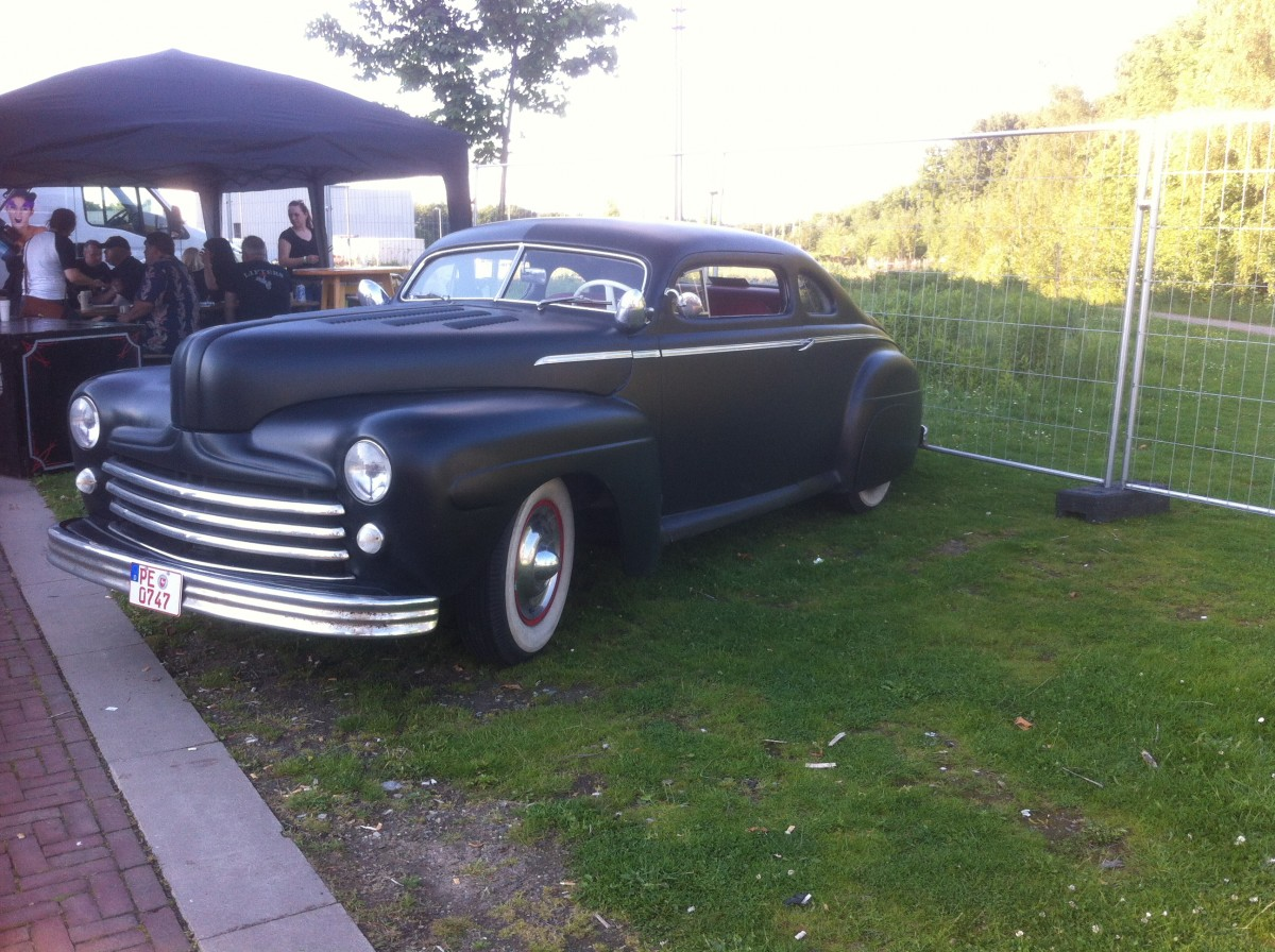Random Custom Car Photos Chroniclecustom Chronicle 1941 Plymouth Coupe Chopped 15 Years Old This Are Some Of My Picturesim More Into Late 40s To Early 50s Kustoms And Hotrods All Do The Most Pictures