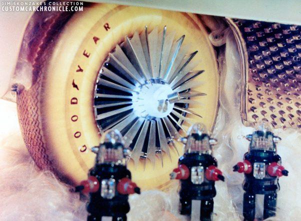 [Pilt: CCC-jim-street-golden-sahara-hubcaps-01-602x442.jpg]