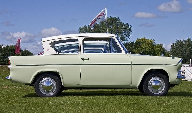 Ford Anglia 105E side