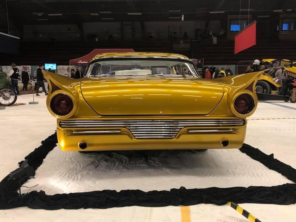 Sweden-57-Ford-01