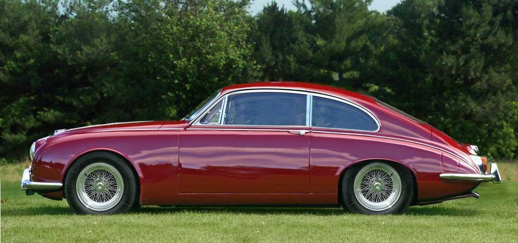 Daimler-V8-250-side